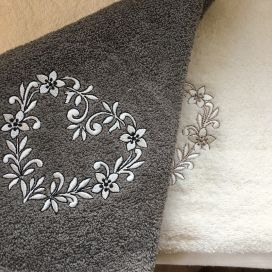 "Embrodery round hand towel ""Heart"" grey"