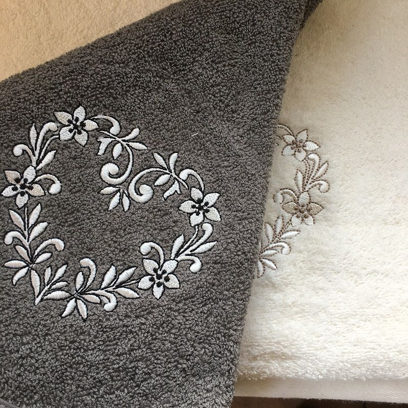 """Embrodery round hand towel """"Heart"""" grey"""