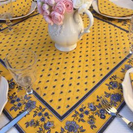 "Quilted cotton table cover ""Avignon"" yellow and bue"