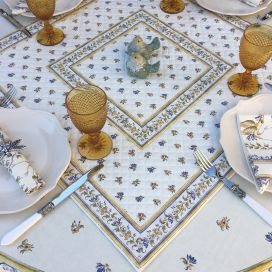 """Quilted cotton table cover """"Moustiers"""" ecru and blue"""