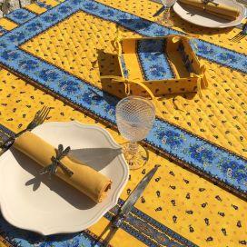 """Chemin de table en coton matelassé """"Tradition"""" jaune et bleu, Marat d'Avignon"""