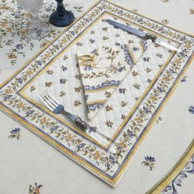 """Bordered quilted placemats """"Moustiers"""" ecru and blue, by Tissus Toselli"""