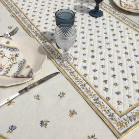 """Quilted cotton table runner """"Moustiers"""" ecru and blue by Tissus Toselli"""