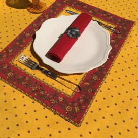 """Bordered quilted placemats """"Calisson"""" yellow and red, by Tissus Toselli"""