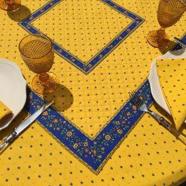 """Tapis de table en coton matelassé """"Calissons"""" jaune et bleu"""