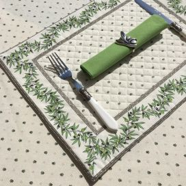 """Bordered quilted placemats """"Olivettes"""" ecru and green, by Tissus Toselli"""