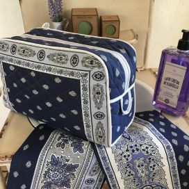 """Quilted coton toiletry bag """"Bastide"""" blue and white"""