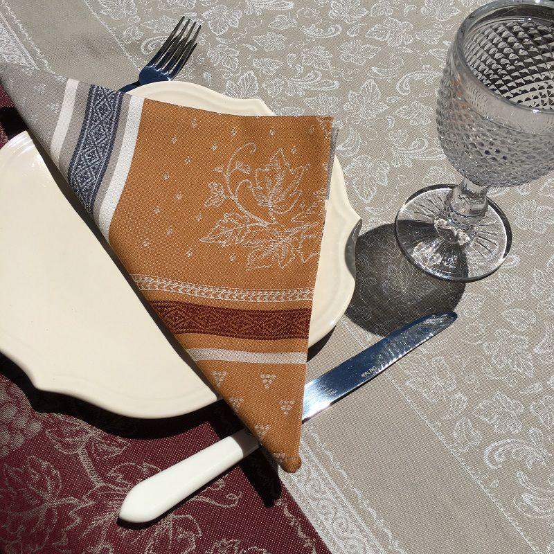 """Serviette de table Jacquard """"Coteaux"""" beige et ocre, Tissus Toselli"""