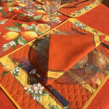 """Set de Table en  coton  matelassé  """"Citrons"""" orange"""