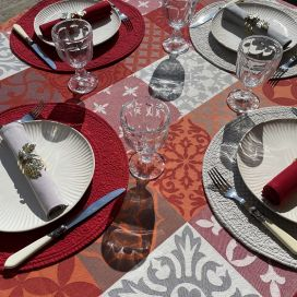 "Rectangular Jacquard tablecloth, stain resistant Teflon ""Carces"" red andgrey"