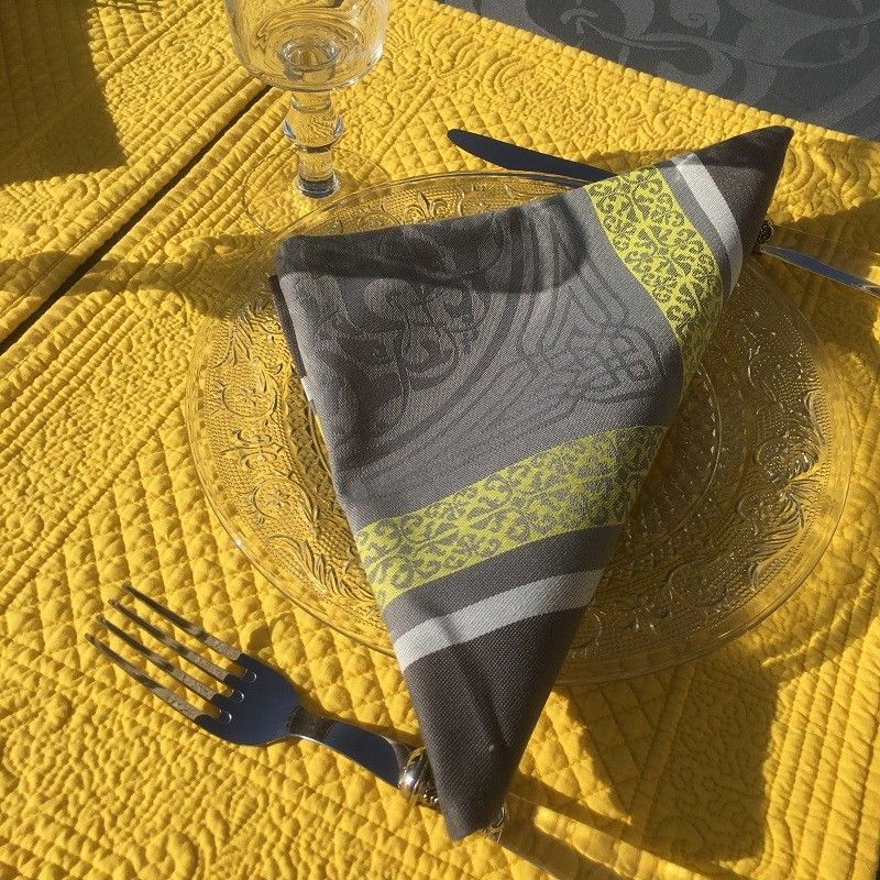 boutis placemats sud etoffe yellow laboutiquedelea. Black Bedroom Furniture Sets. Home Design Ideas