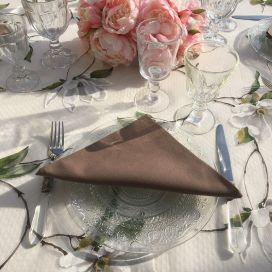 "Serviette de table ""Coucke"" en coton uni truffe"