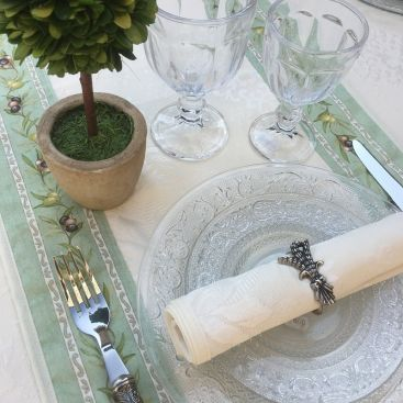 """Table runner or square table mat Delft, bordure """"Clos des Oliviers"""" green"""