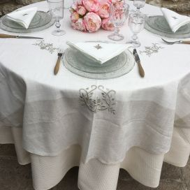 "Linen and polyester tablecloth ""Coeurs brodés"" white and linen bordure"