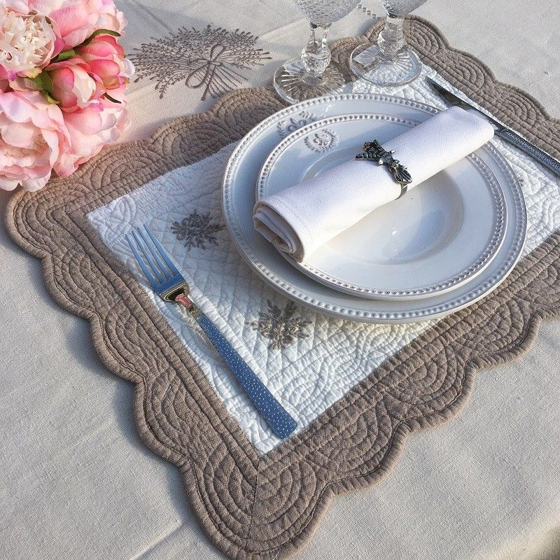 """Rectangular table mats, Boutis fashion """"Lavande"""" Off-white and linen color by Sud-Etoffe"""
