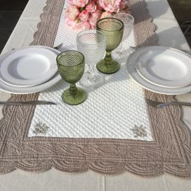 SUS ETOFFE, Table runner, Boutis fashion, LAVENDER, Off-white and linen color