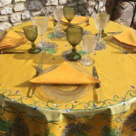 """Nappe provençale ronde en coton enduit """"Bouquet de Lavandes"""" jaune, TISSUS TOSELLI NICE"""