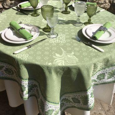 """Nappe damassée Delft vert, bordée """"Mirabeau"""" vert"""