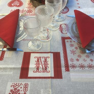 "Rectangular cotton tablecloth ""Valberg"" natural and red"