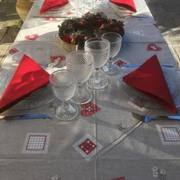 "Rectangular cotton tablecloth ""Auron"" red bordure"