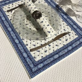 "Bordered quilted placemats ""Tradition"" white blue, by Marat d'Avignon"
