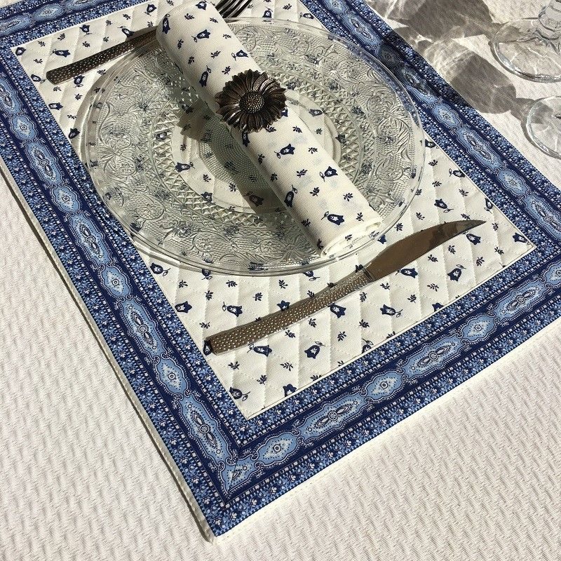 """Bordered quilted placemats """"Tradition"""" white blue, by Marat d'Avignon"""
