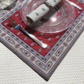 "Bordered quilted placemats ""Bastide"" Red, by Marat d'Avignon"