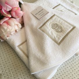 "Guillaume d'Aix, embrodery round hand towel ""Bastide"" white"