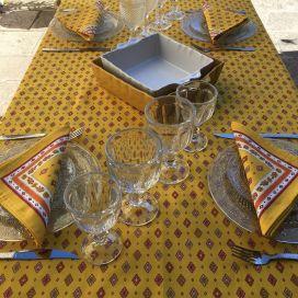 """Nappe provençale rectangulaire en coton enduit """"Mirabeau"""" jaune et rouge"""