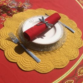 "Round table mats, Boutis fashion ""mustard"" color, by Côté-Table"