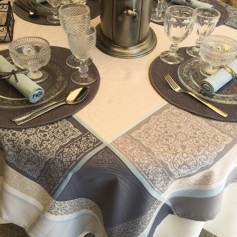 """Rectangular Jacquard polyester tablecloth """"Chamaret"""" Off white and grey  from """"Sud Etoffe"""""""