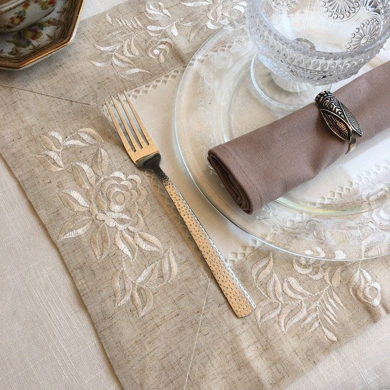 "Set de table polyester ""Roses blanches"" blanc, bordure lin"