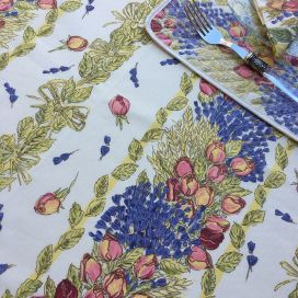"Rectangular provence cotton tablecloth ""Roses et lavandes"" ecru from Tissus Toselli in Nice"