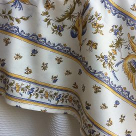 "Rectangular provence cotton tablecloth ""Moustiers"" ecru and blue from Tissus Toselli in Nice"