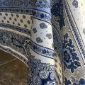 """Nappe provençale rectangulaire en coton enduit """"Bastide"""" blanche et bleue Marat d'Avignon"""