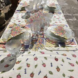 """Nappe provençale rectangulaire placée en coton enduit """"Roses et Lavandes"""""""