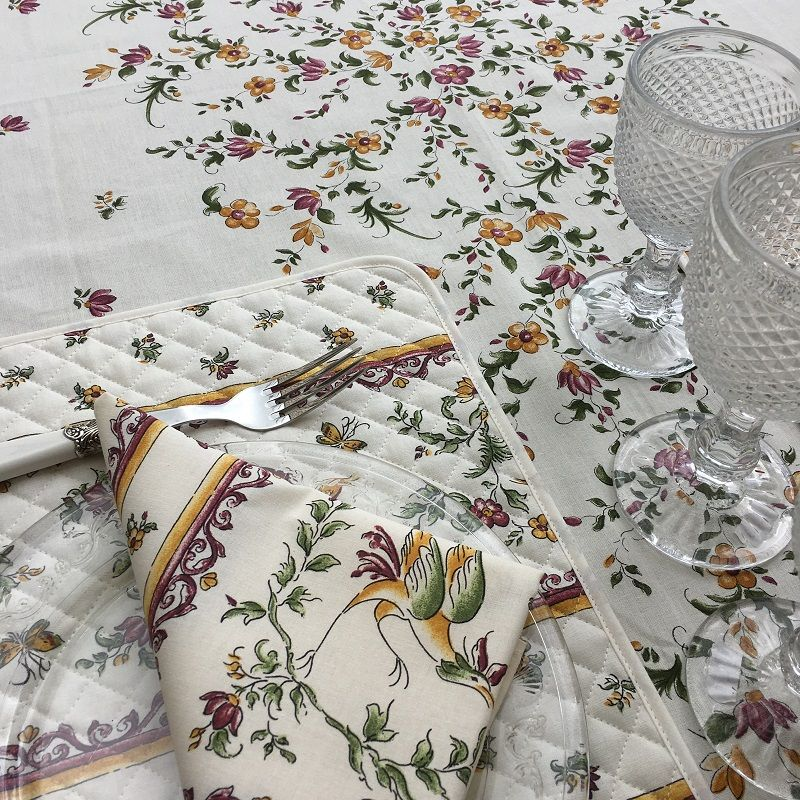 """Nappe provençale rectangulaire placée en coton enduit """"Moustiers"""" rose fond écru"""