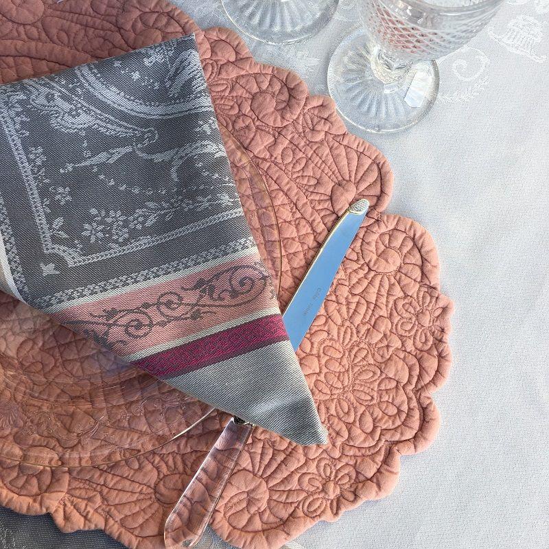 "Oval table mats ""Boutis fashion"", powder pink ""Lindsay"""
