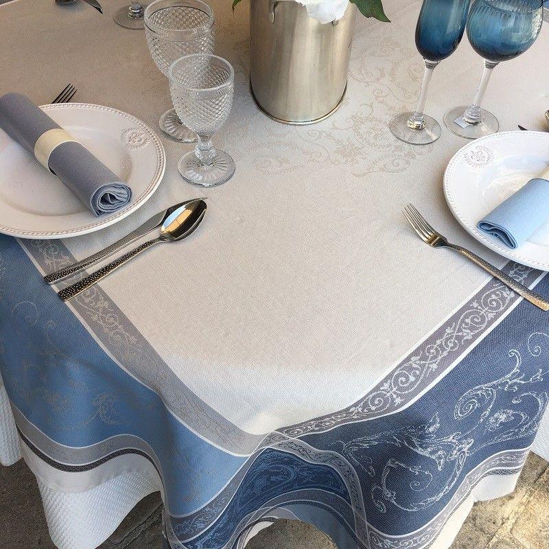 """Nappe carrée Jacquard """"Versailles"""" grise et bleue, Tissus Tosell"""