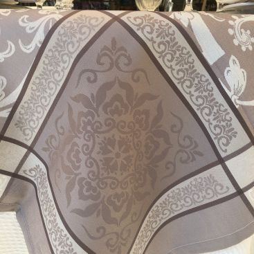 """Jacquard polyester tablecloth """"Eygalière"""" beige from """"Sud Etoffe"""""""