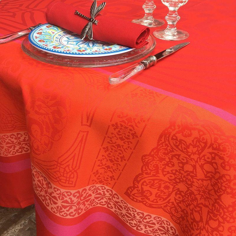 """Nappe carrée Sud Etoffe, Jacquard polyester  """"Chamaret"""" rouge et orange"""