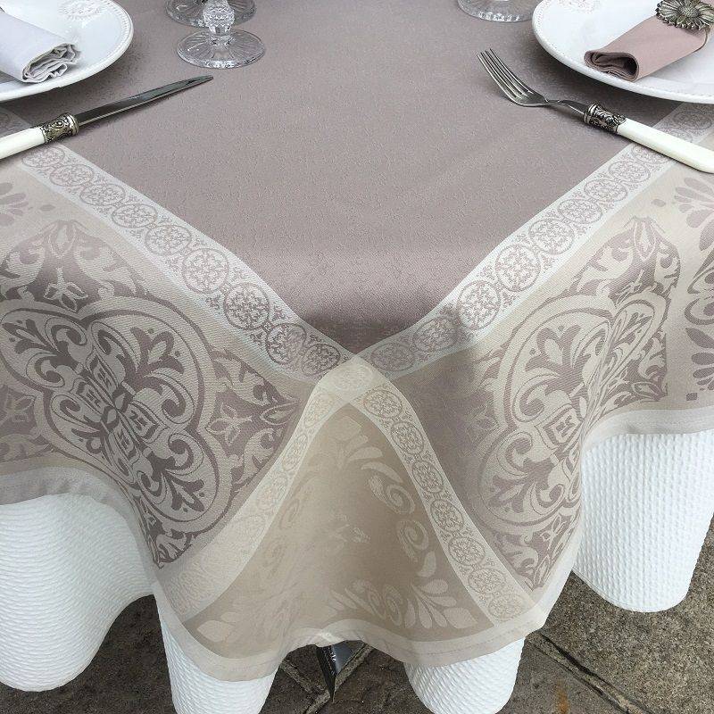 """Square Jacquard polyester tablecloth """"Alicante"""" naturel and taupe from """"Sud Etoffe"""""""