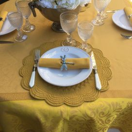 "Nappe rectangulaire Sud Etoffe, Jacquard polyester ""Alicante"" jaune et curry"