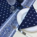 """Tapis de table en coton matelassé """"Bastide"""" bleu et blanc"""