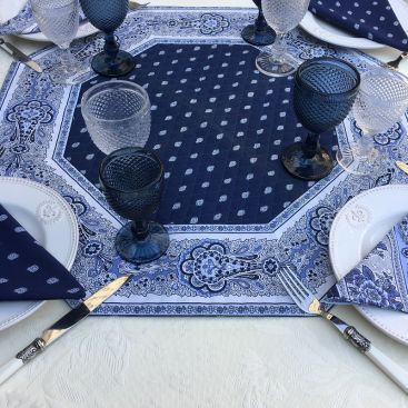 """Octogonal quilted cotton table cover """"Bastide"""" blue and white"""