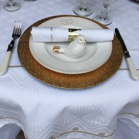 "Square Jacquard polyester tablecloth ""Festif"" white and gold from ""Sud Etoffe"""