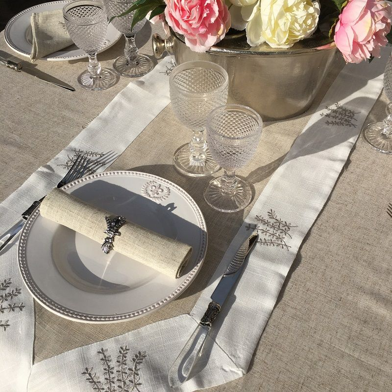 """Linen and polyester table runner """"Lavandes brodées"""" linen and white bordure"""