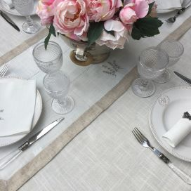 "Linen and polyester table runner ""Lavandes brodées"" white and linen bordure"