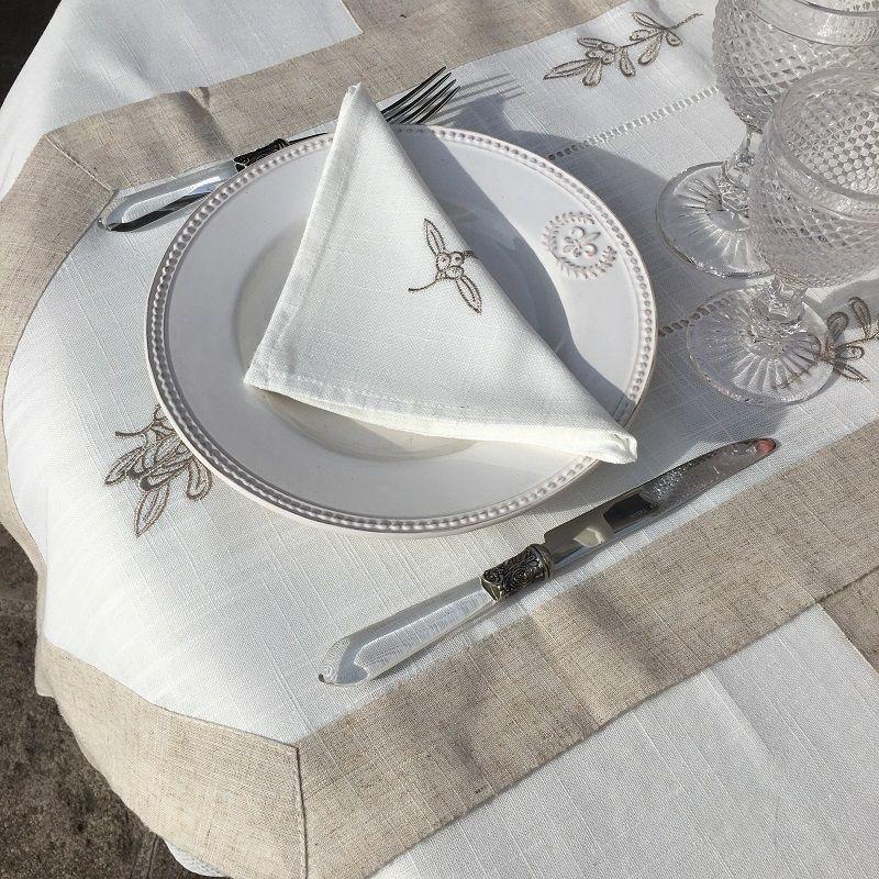 """Chemin de table lin et polyester """"Cigale et Olives"""" blanc bordure lin"""
