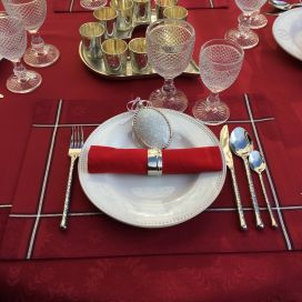 "Set de table Jacquard polyester ""Natif"" rouge et argent, Sud Etoffe"